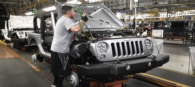 Jeeps new 300 hp Hurricane turbocharged four-cylinder engine