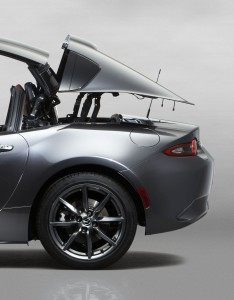 11Mazda_MX-5RF_sm_Side_movement_468x600