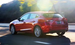 2017-Mazda-3-109-876x535