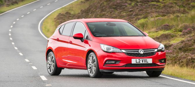 Vauxhall Astra Wins WHATCAR? Best Family Car Award